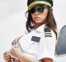 Ryanair könnte seinen Fluggästen demnächst Pornofilme anbieten