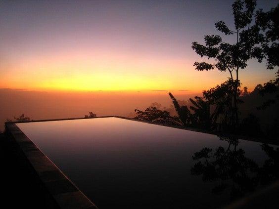 infinity-pool-Munduk-Moding-Plantation-Bali-Indonesia