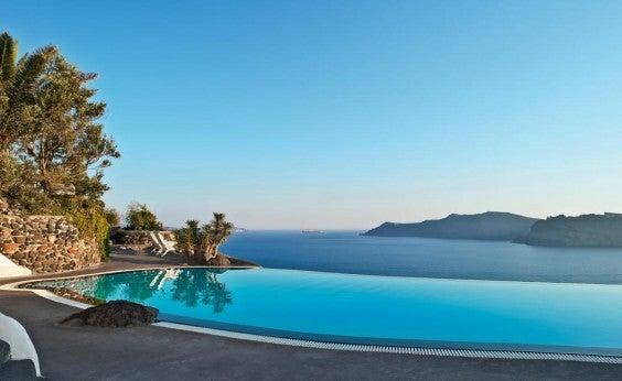 infinity-pool-Santorini-Hotel-perivolas