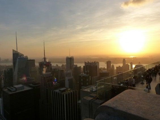 sonnenuntergang-rockefeller-center-new-york-city