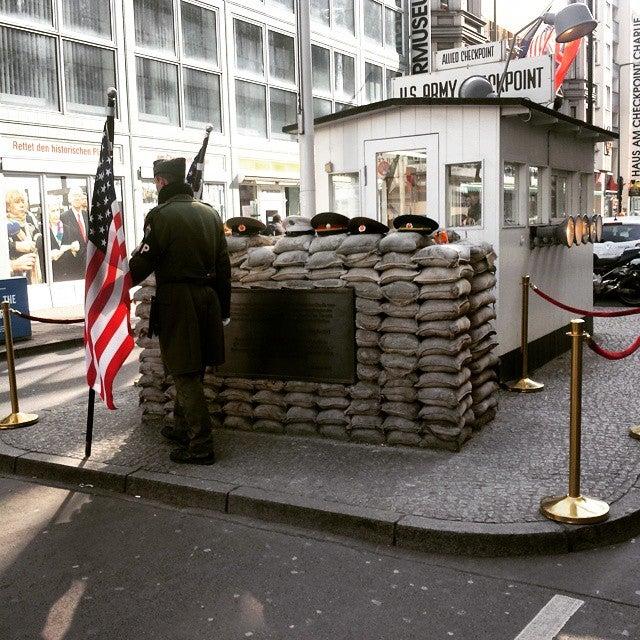 das muss man in berlin machen checkpoint charlie berlin, berlin was machen, unternehmungen in berlin, was machen in berlin