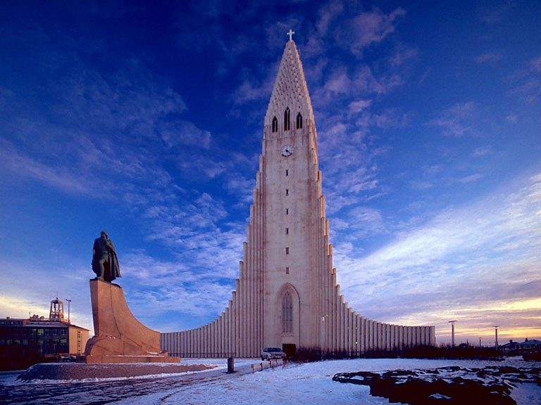 Hallgrimskirkjaisland-travel blog
